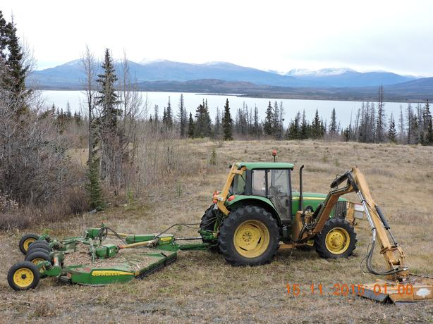 John Deere Tractor 7130 w/mower attachments