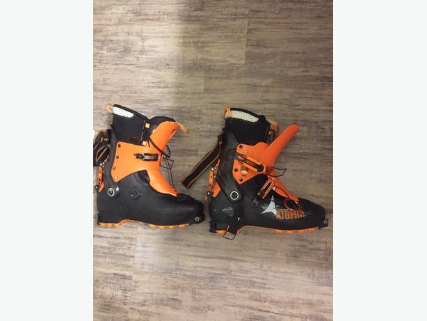 Mens 30.5 Atomic Backland touring Boot