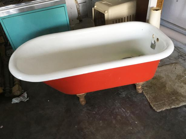 30s Furniture & Claw Foot Bath Tub, 50s Appliances, Retro Chaise