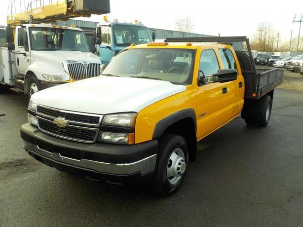 2006 Chevrolet Silverado 3500 Work Truck Crew Cab Dually 9 Foot Flat Deck 2WD