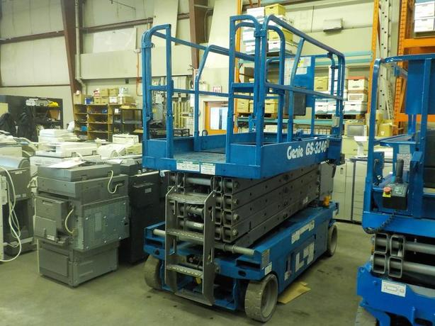 2007 Genie GS-3246 Electric Scissor Lift 4x2