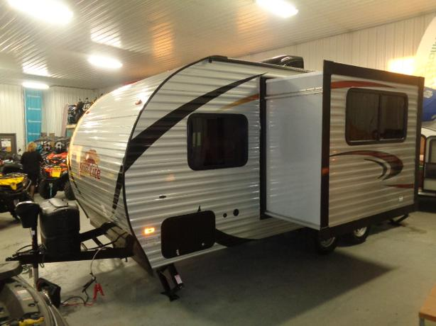 2018 SUNSET PARK RV SUN-LITE 21BHS WITH REAR BUNK