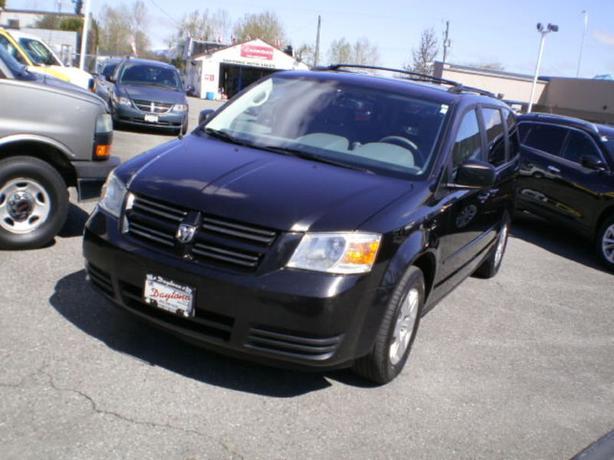 2010 Dodge Grand Caravan SE, full stow n go, 2 year power train warranty,