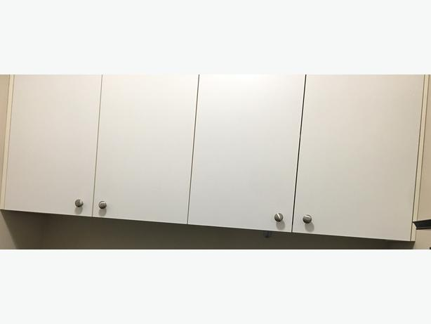 "4 - 15 3/4""x 24"" cabinet doors with hinges and door knobs"