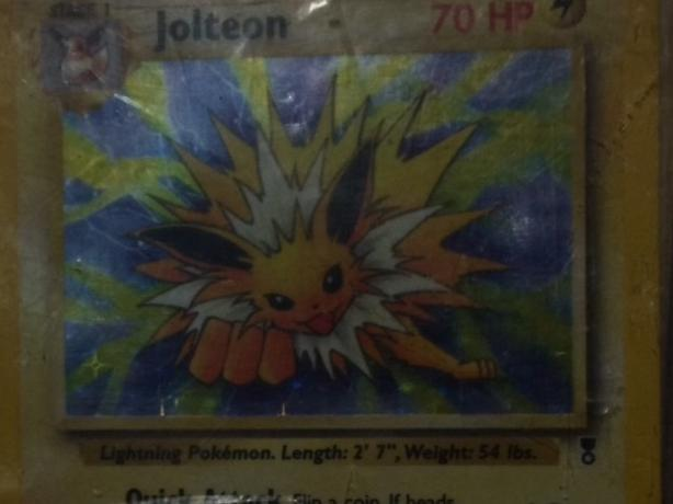Jolteon holo 14/110 legendary collection