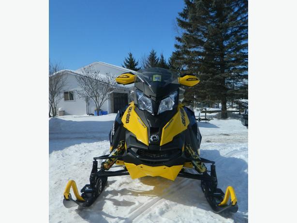 2013 Ski-Doo MXZX 600