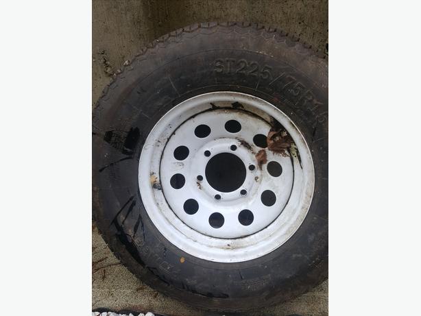 New Trailer tire off my dump trailer ST225/75/R15