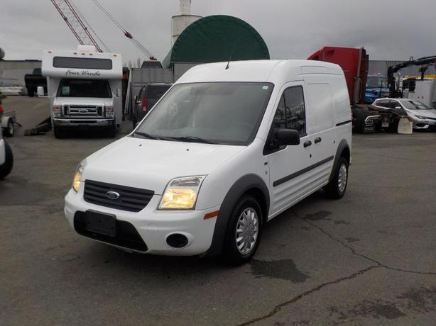 2011 Ford Transit Connect XLT with Bulkhead Divider Cargo Van