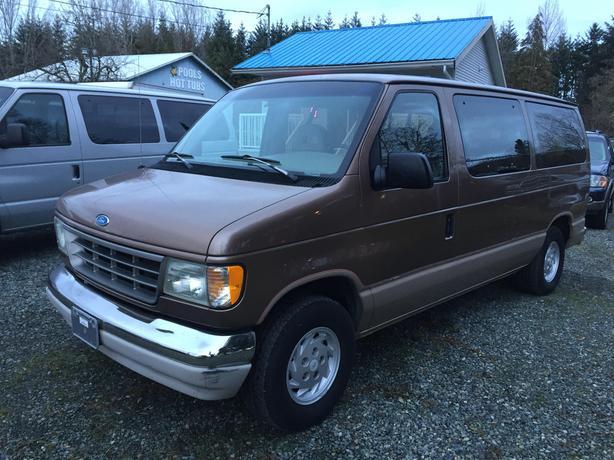 1993 Ford E150 **8 PASSENGER VAN**