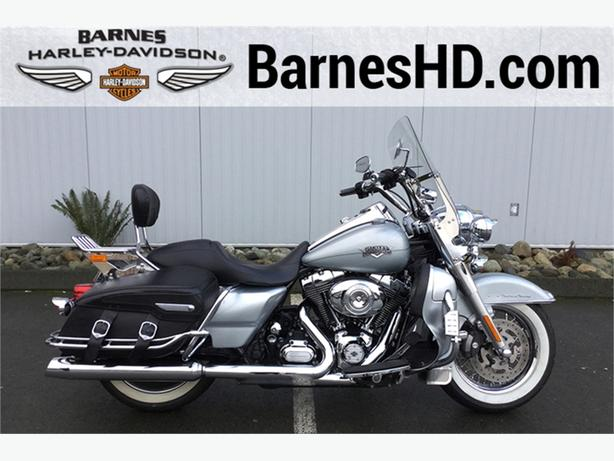 2011 Harley-Davidson® FLHRC - Road King® Classic
