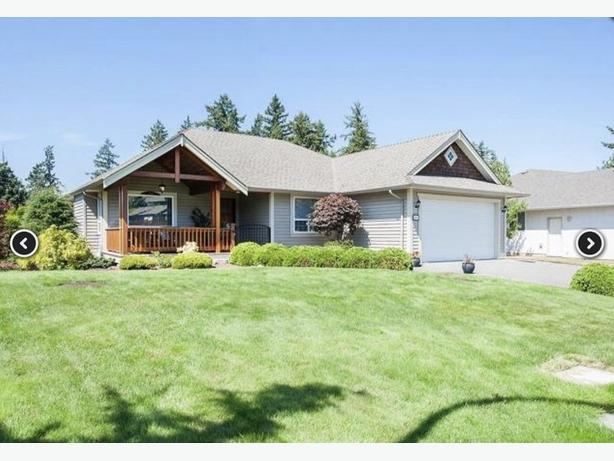 3 bed 2 bath upper level home w/ den/office in Duncan