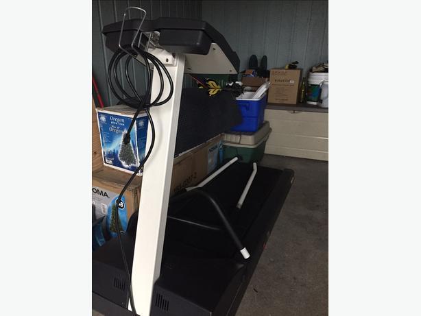 Precor S.21SI Treadmill - Great Condition