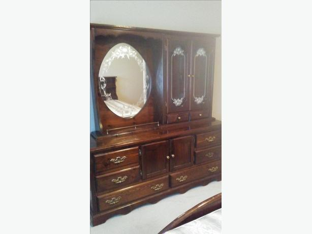 Solid Wood King Size Suite - Like New