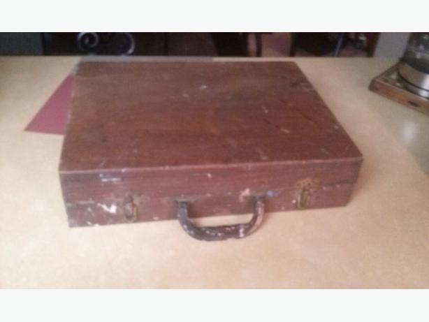 Vintage Wooden Artist Painters Box Case