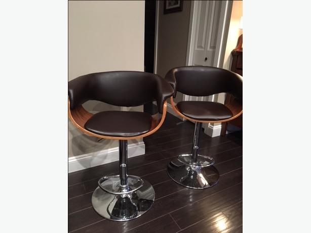 Bar Stool/Chairs