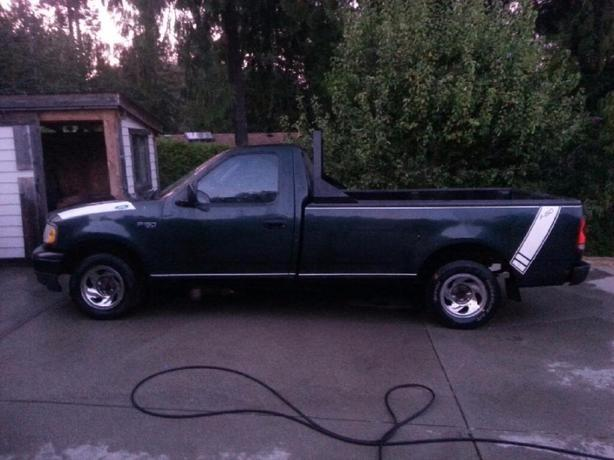 lady driven,  great work truck '03 F150 LONG BOX 4.2L V6 PRICED 4 QUIK SALE