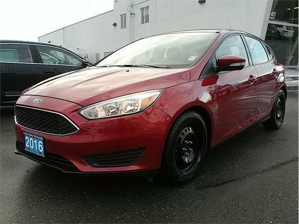 2016 Ford Focus SE Hatch 5sp LOCAL CAR ! Fun to drive !