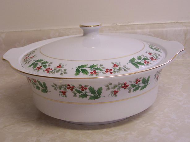 Covered Casserole/Serving dish
