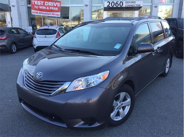2017 Toyota Sienna LE, BACK UP CAM, HEATED SEATS, ALLOY WHEELS