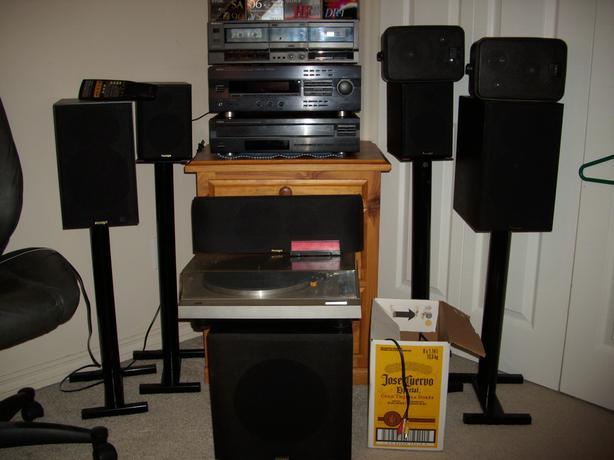 $400 · Yamaha RX-v493 230watt surround sound- Paradigm speakerset