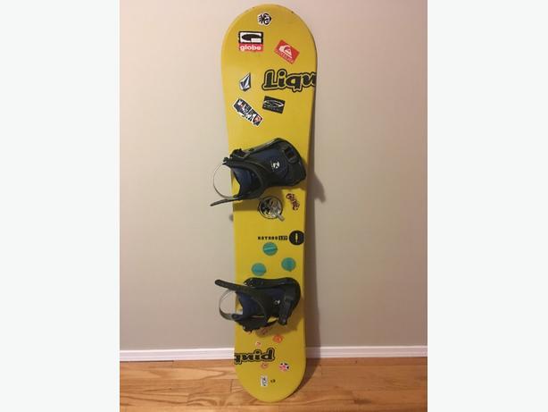 Youth Liquid Snowboard & Bindings