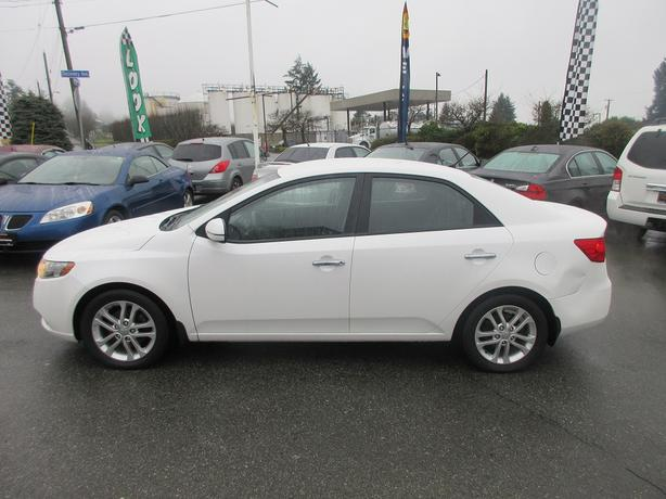 ON SALE! 2011 KIA FORTE EX 2.0L I4-HEATED SEATS! AUTOMATIC!