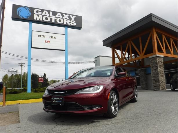 2016 Chrysler 200 S - Leather Int, Navigation, Reverse Cam