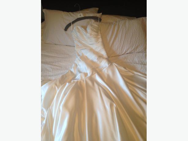 size 10/12 wedding dress