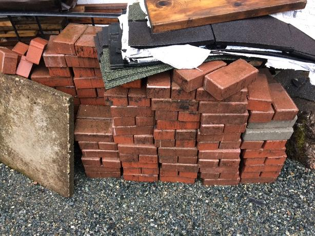 concrete pavers red bricks