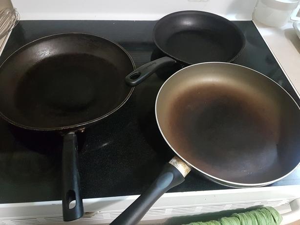 Free pans. Nonstick.