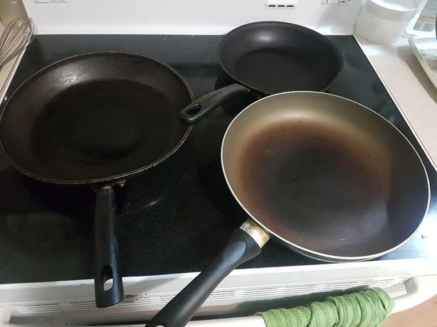 FREE: 3 nonstick frying pans