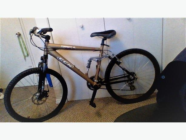 Men's CCM Torrent 21spd. Mountain Bike