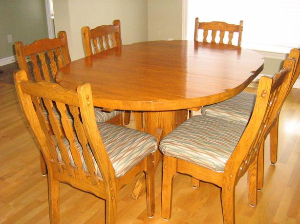 Solid Oak Table, Leaf, 6 Chairs