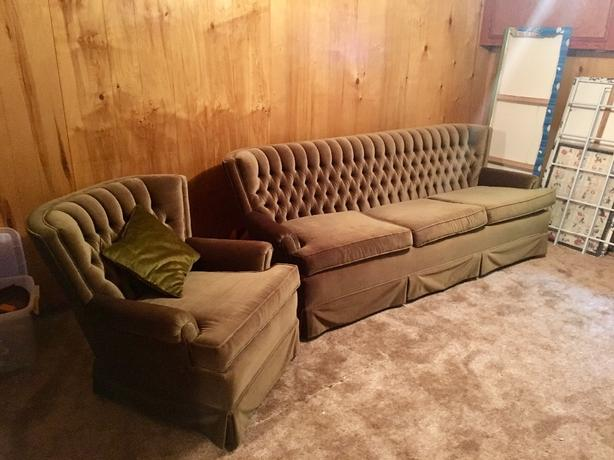 Retro 3 seater couch and matching chair in VGC