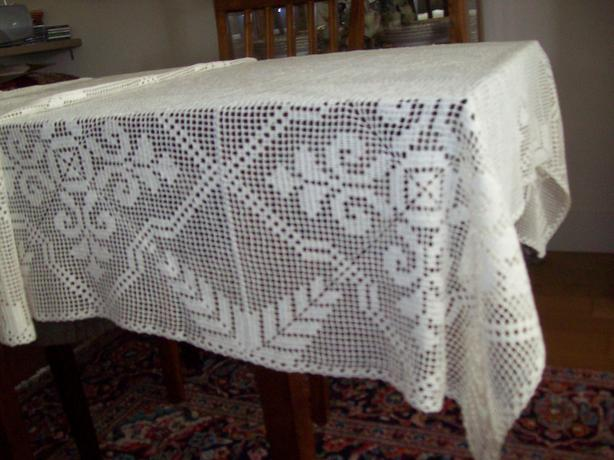 Big Handcrroshead Tablecloth