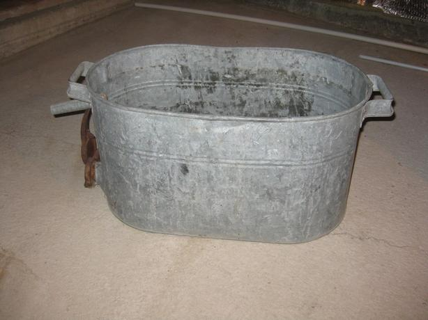 Antique Galvinized tub