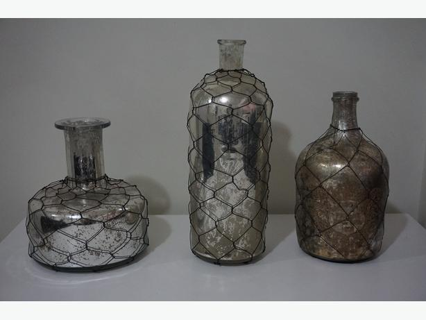 Three decorative Jug set