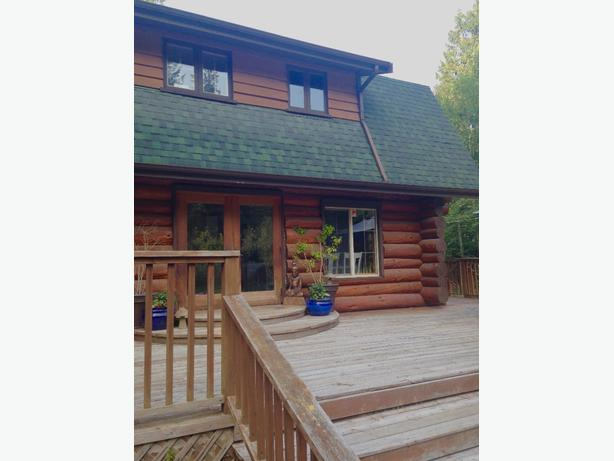Exective Loghome Vacation Rental Sooke, BC **Jan/Feb Specials**