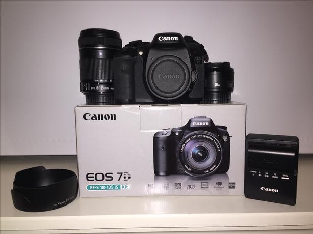 Canon EOS 7D + 2 Lenses + Bag