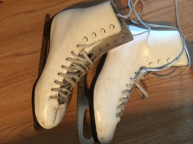 ised ladies white skates