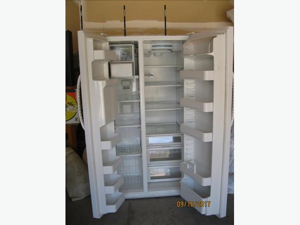 Side by side fridge/freezer,Maytag white .