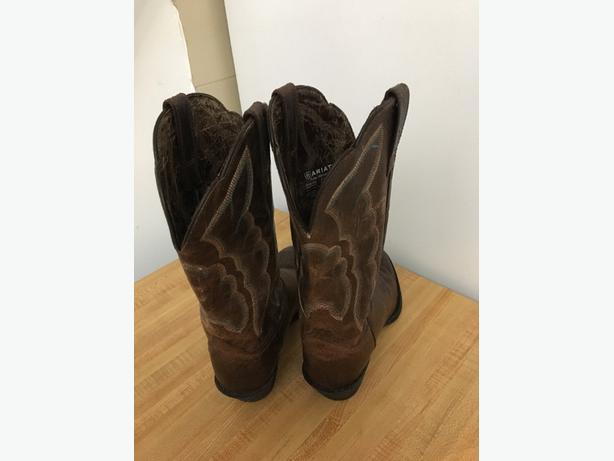 Aritat Womens Western Boots