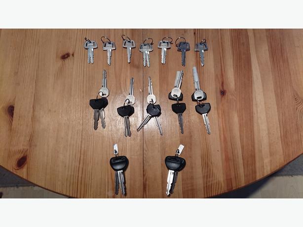 New MITSUBISHI factory coded key sets.