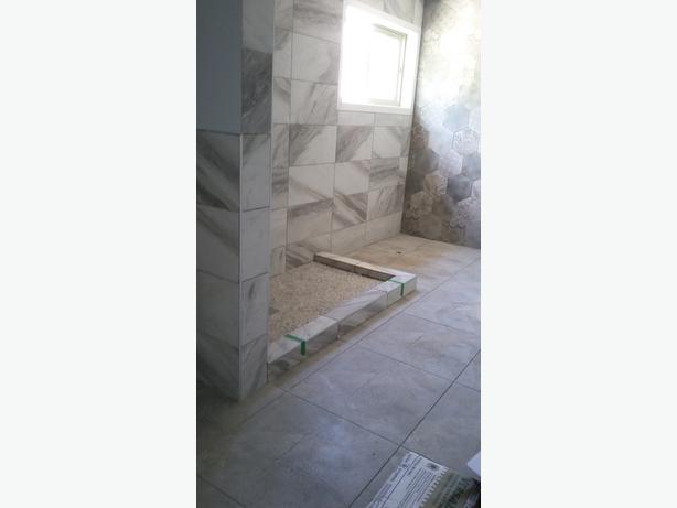 Tile Setters / Home Renovation Contractors,Flooring Kelowna BC / 250-899-5422
