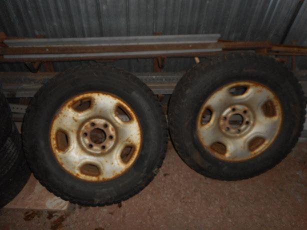 A pair of 17 in FORD F-150 winter tires mounted on winter wheels