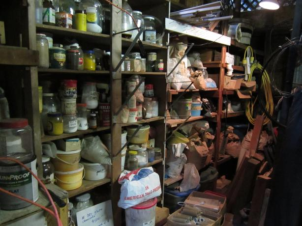 pottery glaze making chemicals
