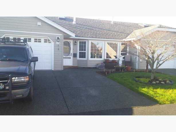 ladysmith  on vanc island - one level patio home