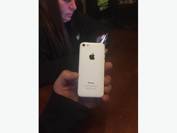 white iphone 5c brand new screen