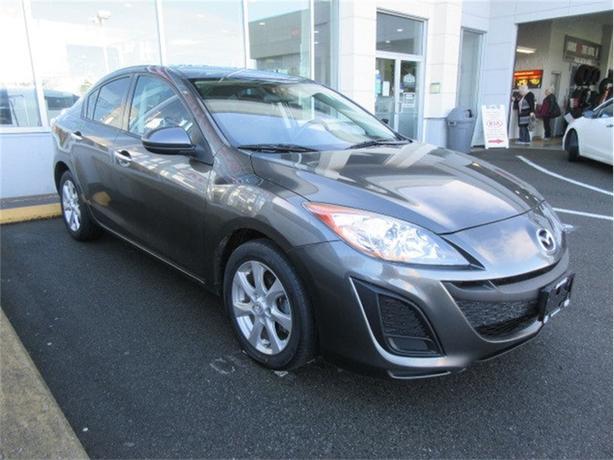 2011 Mazda Mazda3 GX Low Kilometers Good Options