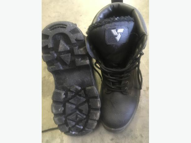Khombu Mens Hiking Boots